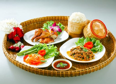 isan-thai-food-shutterstock_67694425